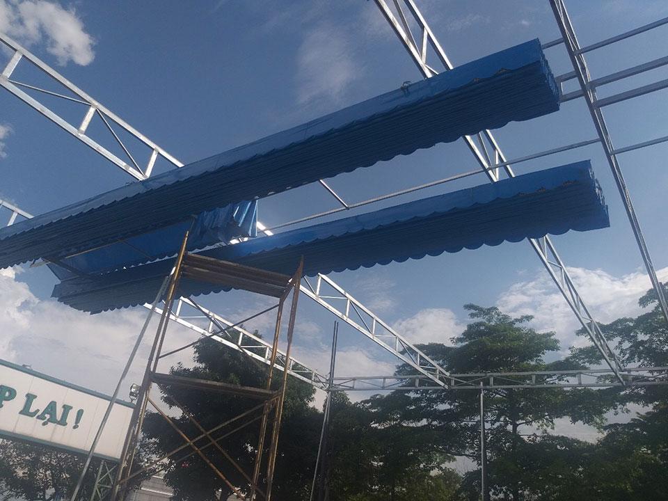 Lắp đặt mái xếp lượn sóng tại Biên Hòa
